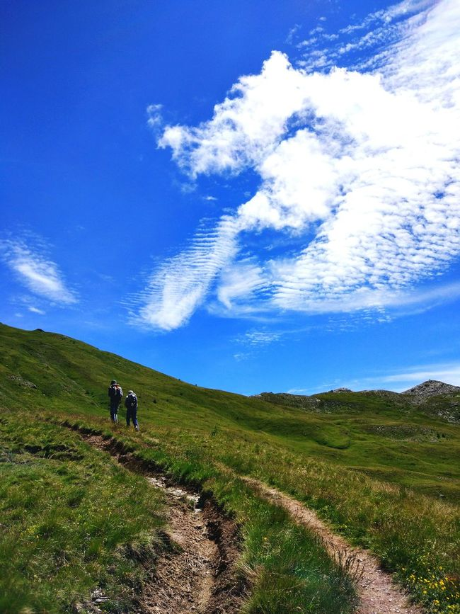 Grimper toujours plus haut... Hikingadventures Mountains Outdoor Photography Summer2016 Hiking The Essence Of Summer Landscape_Collection Mountain View Sky And Clouds EyeEm Best Shots