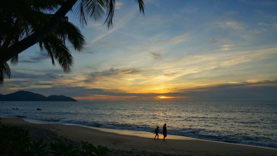 Romantic sunset Malaysia Penang Shangri-La Rasa Sayang Beach Landscape