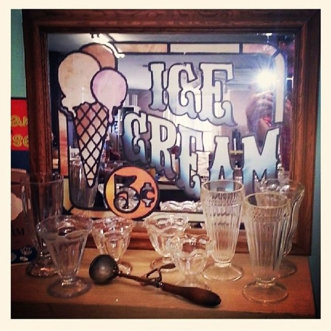The weather is getting warmer! Check out this awesome ice cream gear to get you ready for the summer time ice cream stand. Hingestore Beattheheat Icecream Iscream