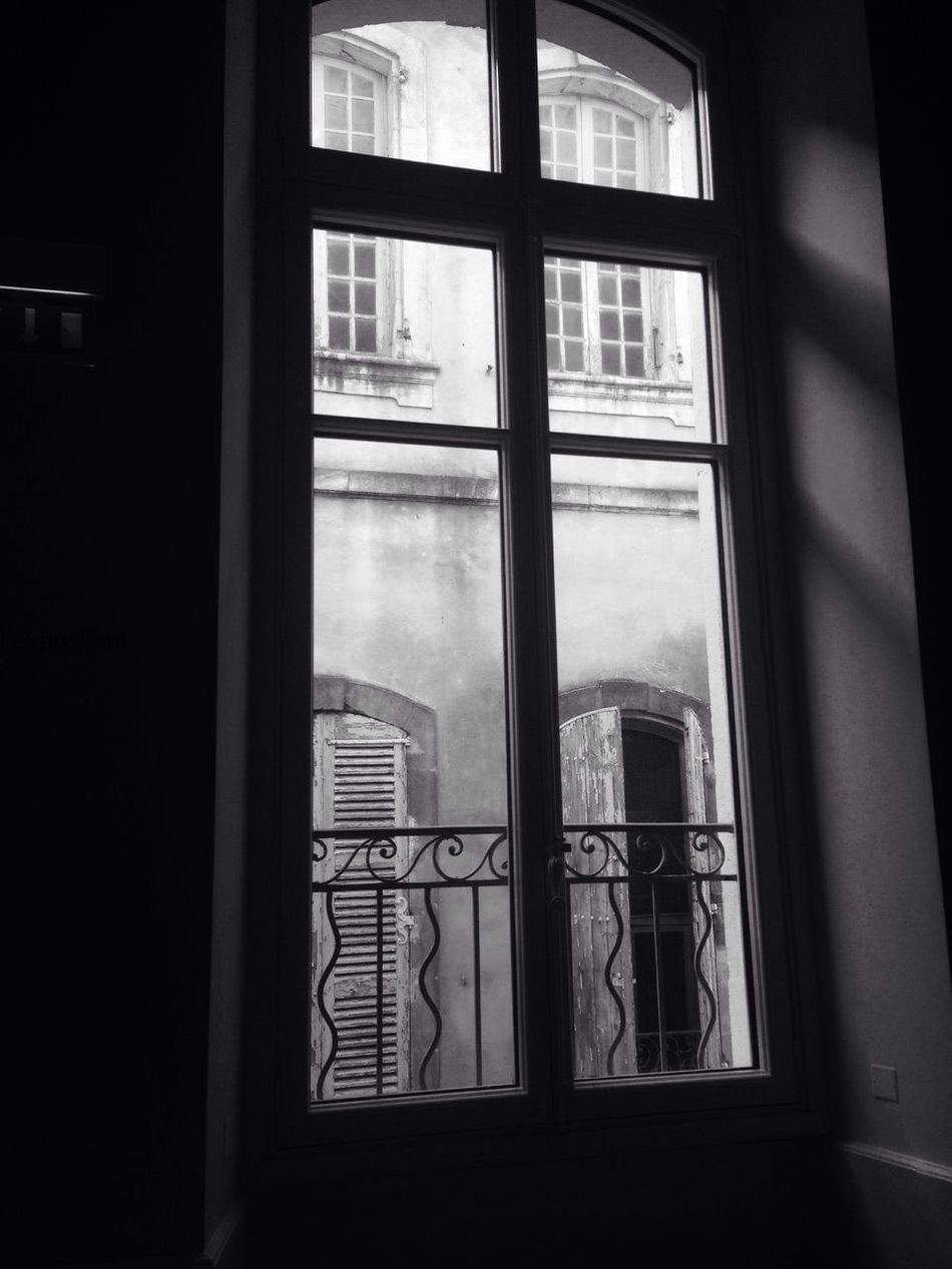 Welcome To Black Window Indoors  Transparent No People Architecture Built Structure IPhoneography IPhone Blackandwhite Photography Arles Provencealpescôtedazur