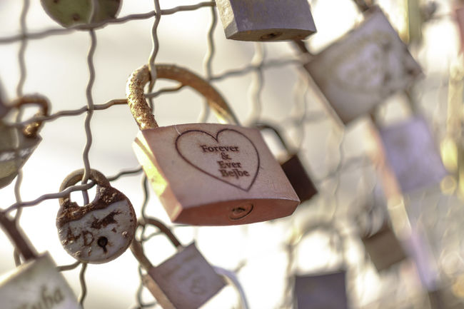 Forever & ever. [6/365] 2016.10.15 365 365project Bokeh Bokeh Photography Brown Close-up Focus On Foreground Full Frame Large Group Of Objects Love No People Padlock Padlocks Symbol