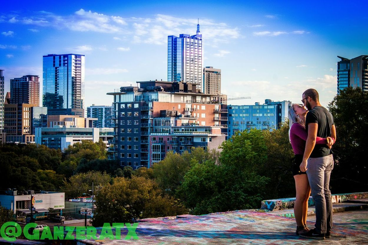 Look at her like no one else exist. Love Austin Texas Skyline Soulmate Lifegoals City Life Young Couples Hugs Candid Canon ATx Inlove 512 Entranced Beautiful Life Candid Photography Sunset Skyporn