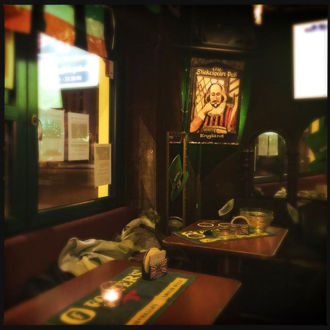 Happy St. Patrick's Day 🍀 ... 🚶🏻 Tadaa Community Hanging Out Snapshots Of Life Capture The Moment St. Patricks Day Urbanexploration IPhoneography From My Point Of View Pub Light And Shadow Taking Photos Interiors