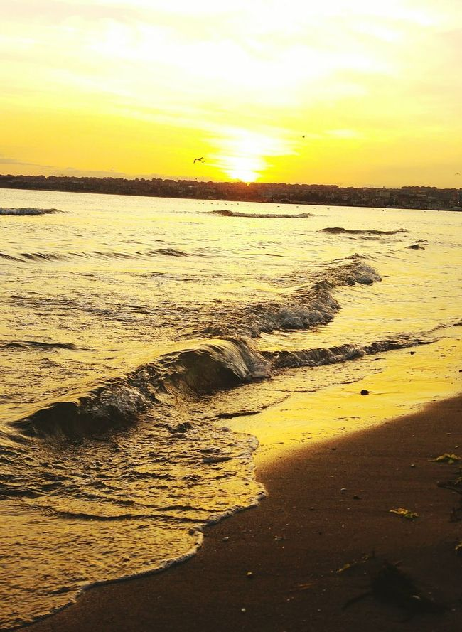 Sunset Scenics Water Tranquil Scene Beauty In Nature Tranquility Sea Sun Beach Nature Vacations Idyllic Tourism Travel Destinations Sky Orange Color Atmosphere Majestic Romantic Sky Shore