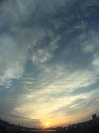 夕陽 夕焼け Sunset 空 Sky 雲 Clouds 電線 Electric Wires 太陽 Sun