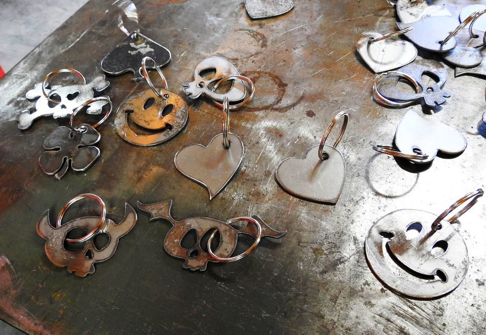 Hearts Hobbies Hobbiestphotography Hobby Hobbyphotography Keychain Collection Keychains  Metal Metal Art Metalwork Metalwork Textures Metalworking Oxidization Oxidized Rust Rusty Sheet Metal Sheet Metal Marked By Time, With Some Rust Spots. Skulls Smiley Face