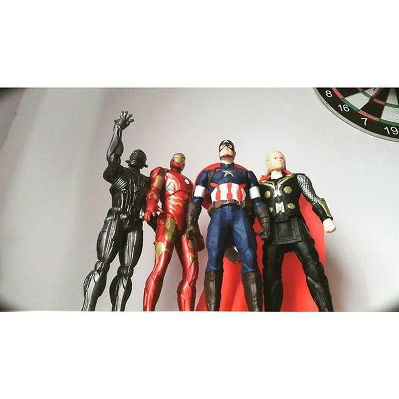 Avenger Assemble ______ Custom Toy 12 Inches ______ Avengers2 Avenger AvengersAssemble ageofultron ultron captainamerica ironmanmark43 ironman thor toy hobby 12inches myhobby saigon saigonese vietnam vscocam vsco vscohochiminh ig_vietnam
