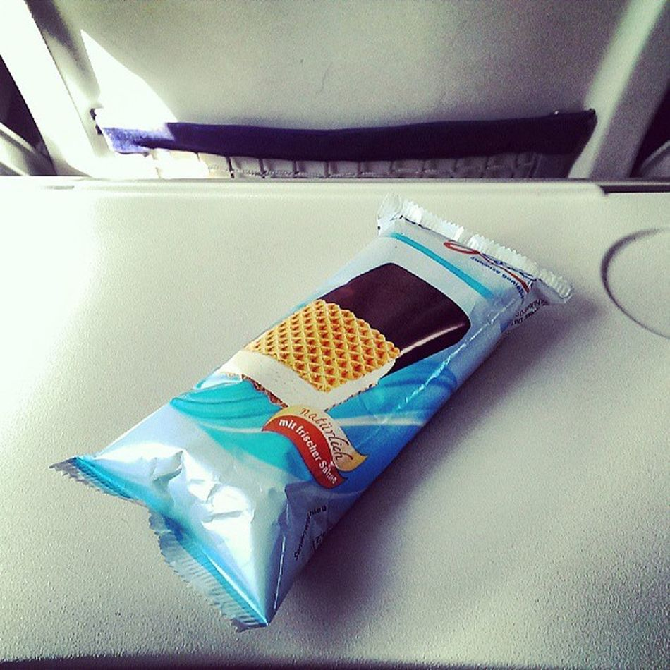 And I never had ice cream on any of my Lufthansa flights before. It must be summer! #Like #FoodSpotter #UpInTheAir #FlyingCDG Like Upintheair Flyingcdg Foodspotter