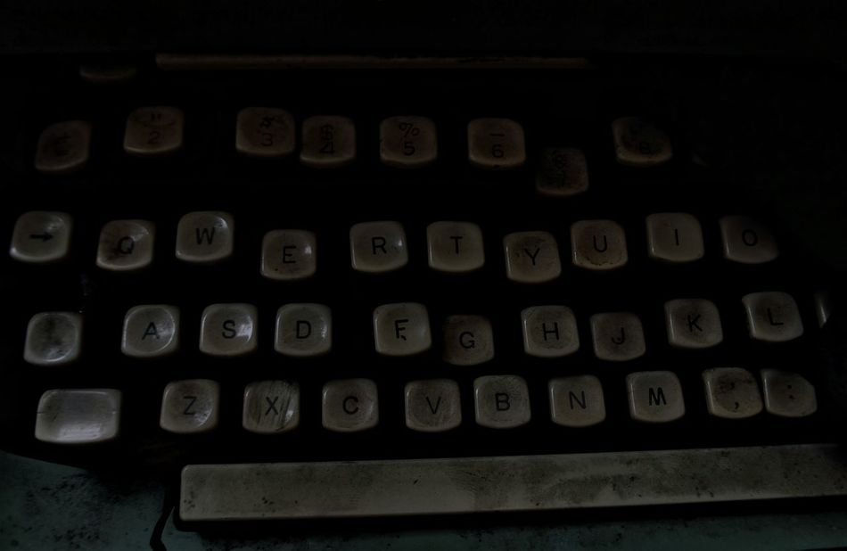 Typewriter Vintage Retro Dark Letters Urbex Abandoned Abandoned Nation Places I've Been Today Capture The Moment Close-up Atmospheric EyeEm Gallery Vacant Urban Exploration Beauty Redefined Beauty Of Decay EyeEm_abandonment EyeEm Best Shots Broken Forgotten