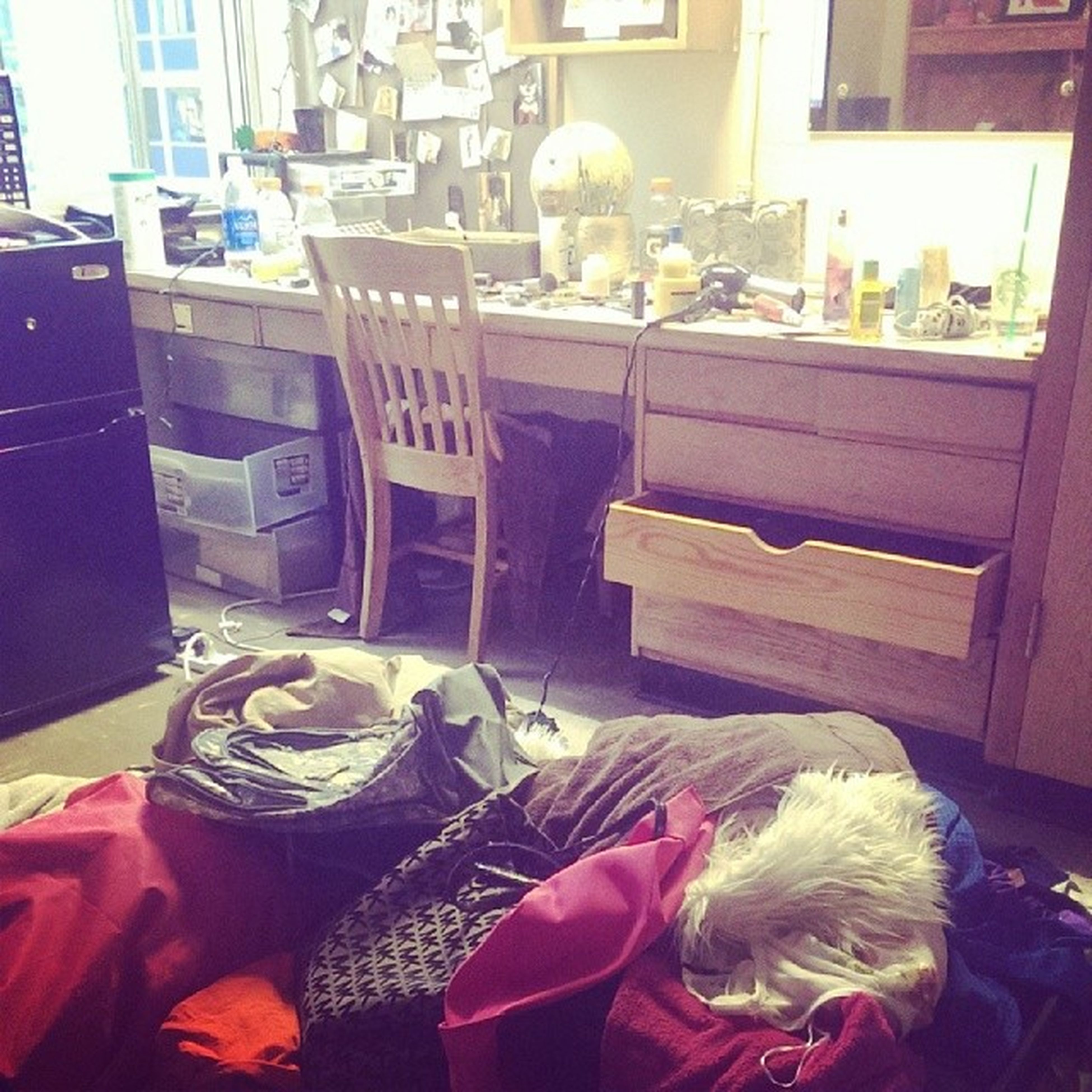 Yaay I'm getting so much packing done Notreally ?? Ineedhelp ?? Procrastinationdidthistome ???