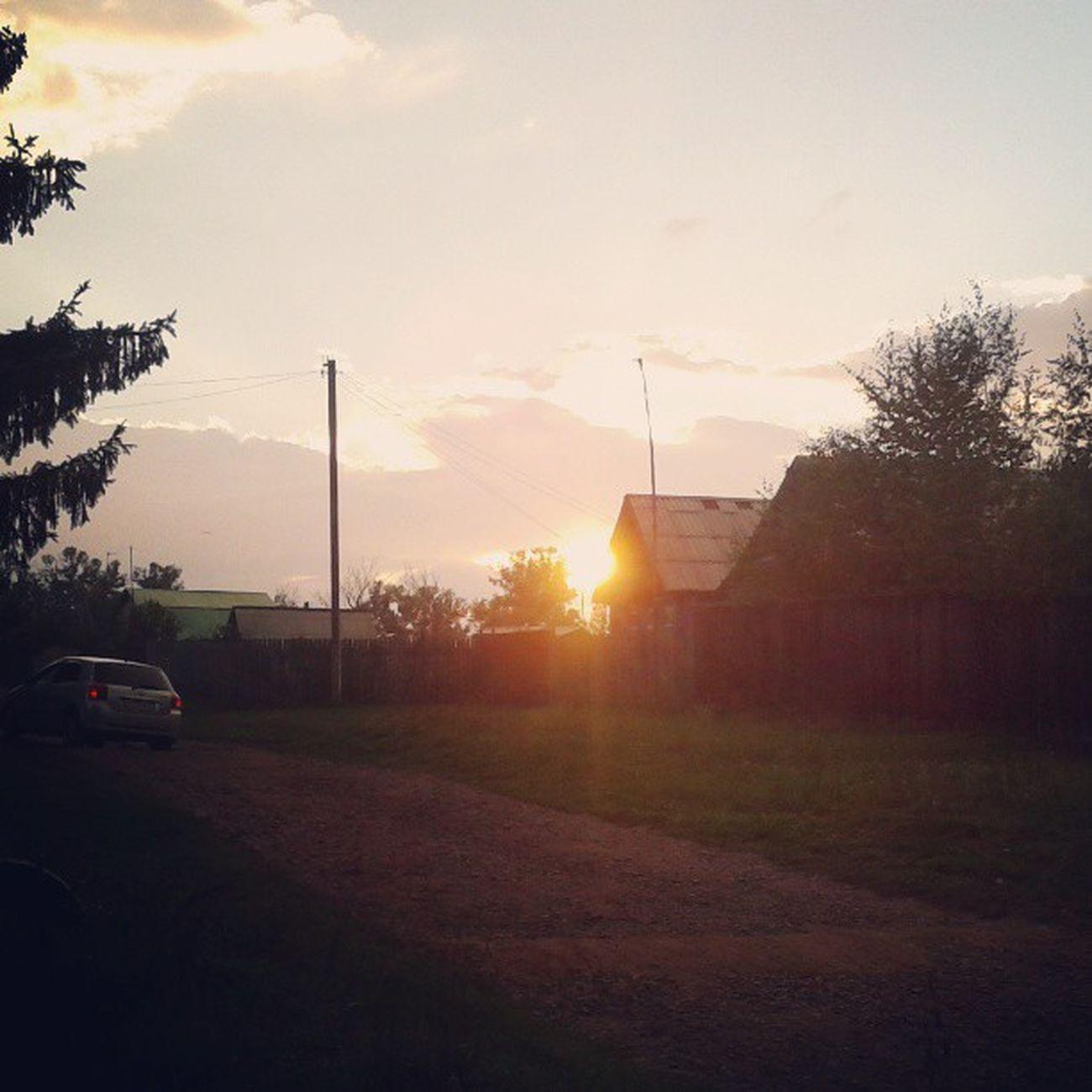 сад деревня уикэнд солнцеуходит закат инлав