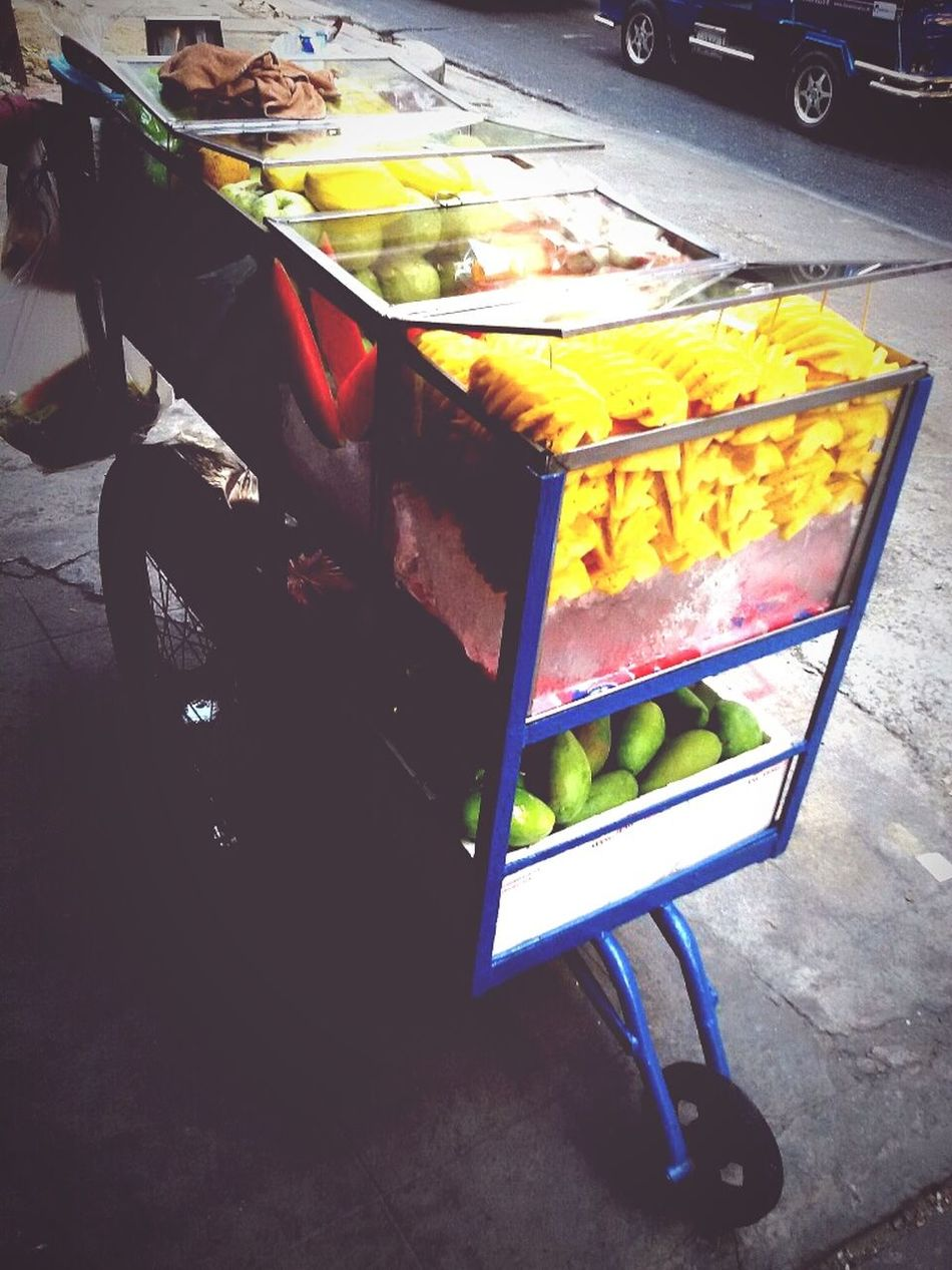 Selling Fruits on Footpath : Selling, Seller, Lifestyle Thailand, Walking around taking photos, Getting in touch, Taking photos.