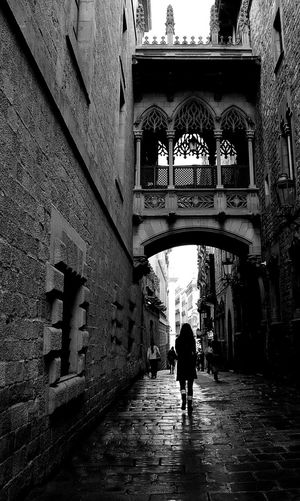 Streetphotography Black & White Barcelona, Spain Gothic Quarter