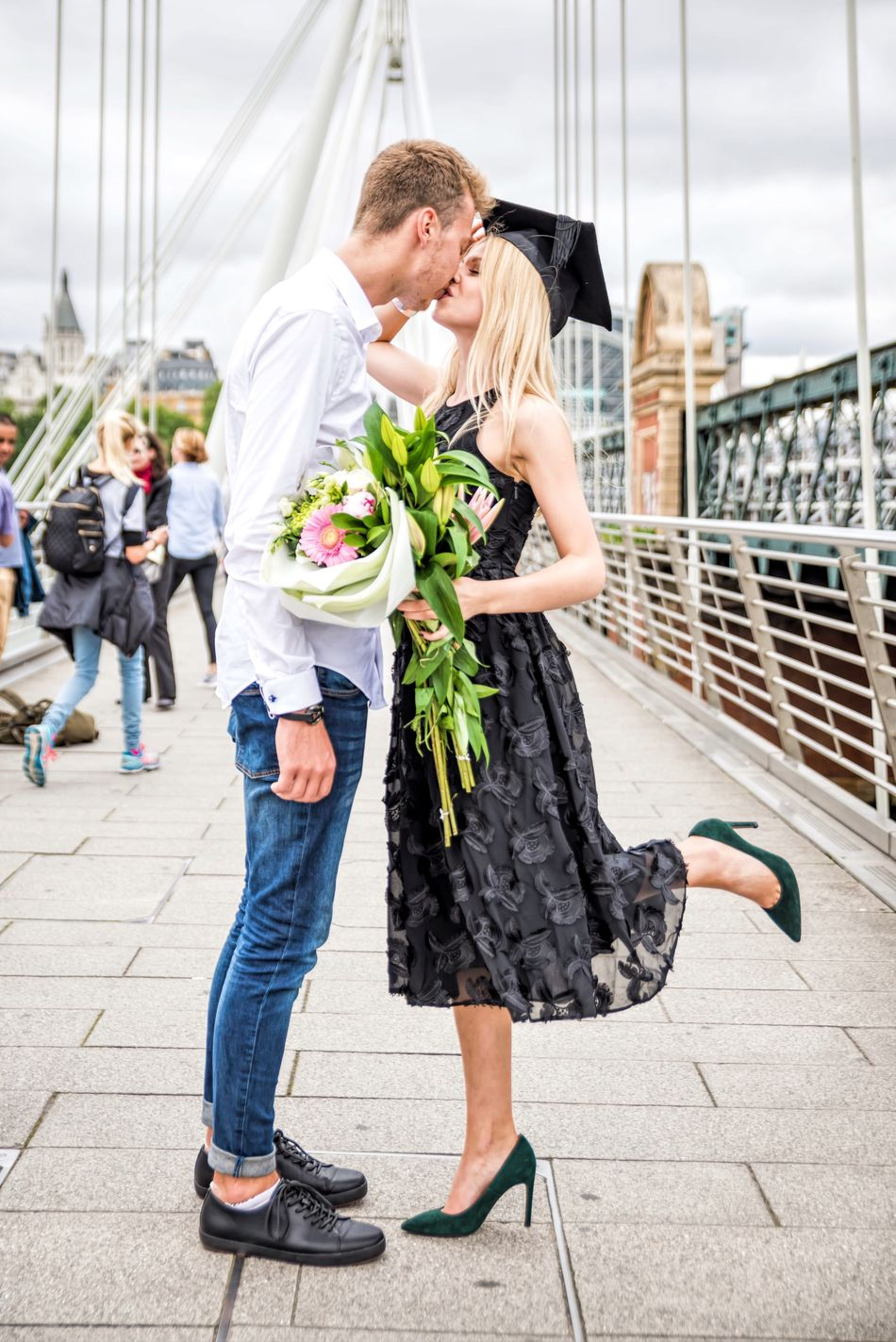 Beautiful stock photos of abschluss,  20-24 Years,  Affectionate,  Architecture,  Bouquet