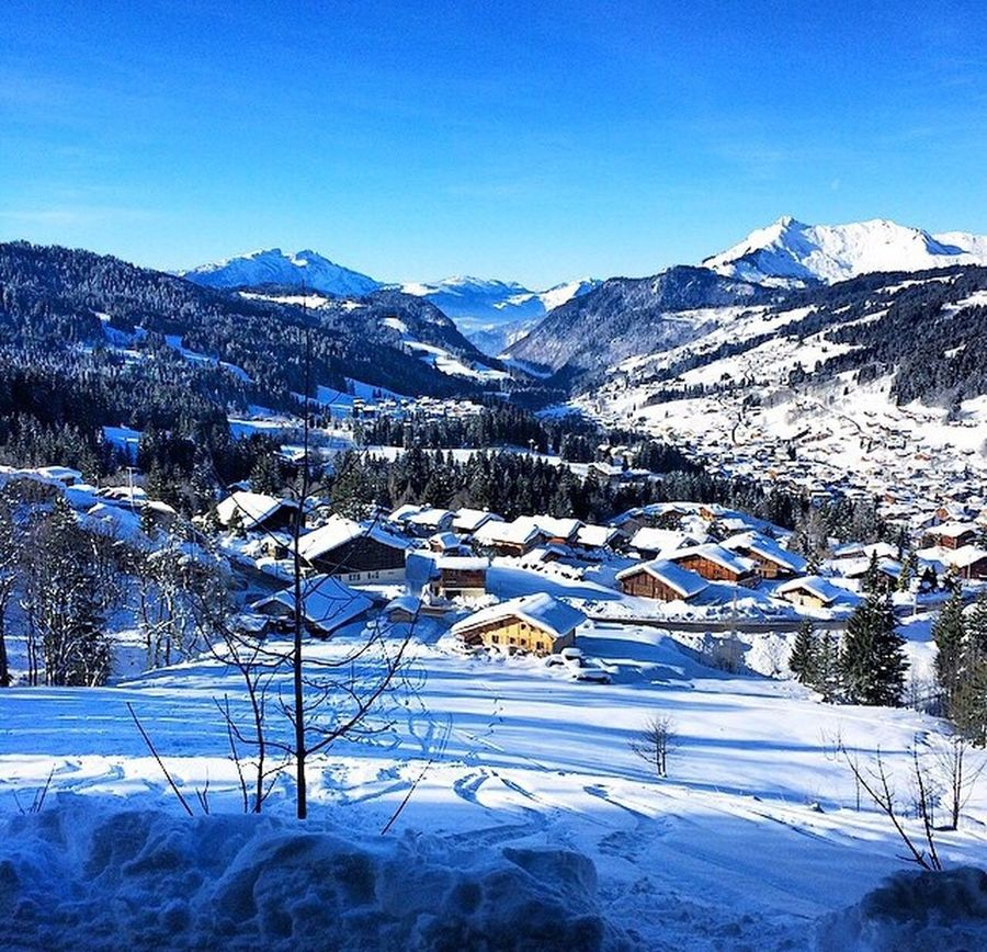 Cold Temperature Season  Snow Winter Weather Mountain Tranquil Scene Covering Scenics Tranquility Landscape Mountain Range Nature Clear Sky Non-urban Scene Majestic Physical Geography Ski Skiing Morzine Morzine-Avoriaz France