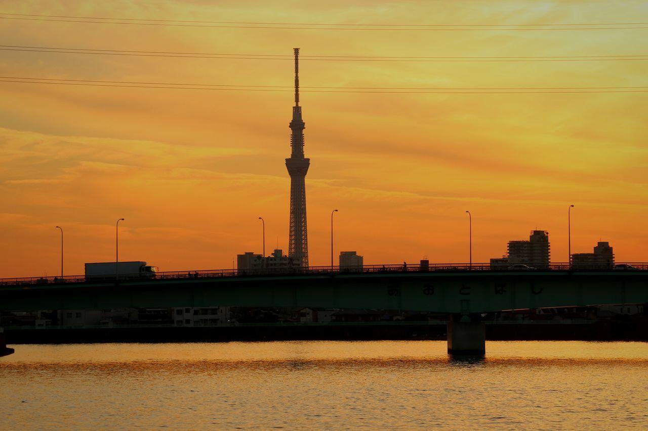 Tower Sunset Urban Skyline Japan Tokyo Skyporn Silhouette Sunsets Sky Skytree Tokyoskytree Orangesky River