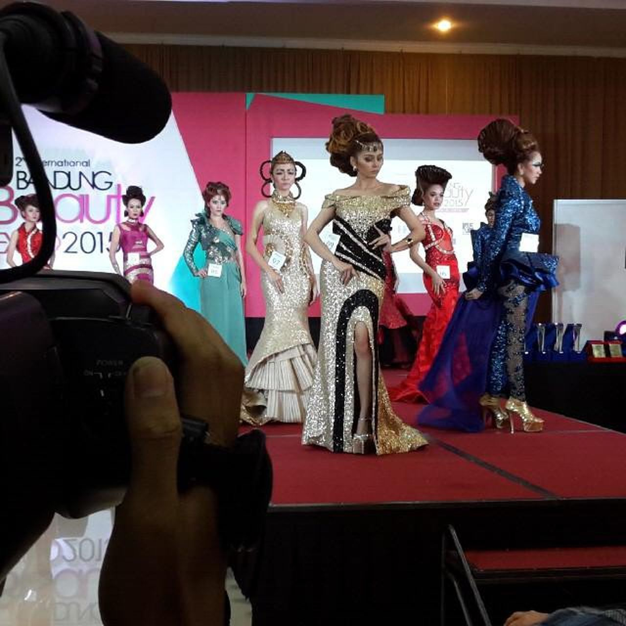Graduation Day Rudy Hadisuwarno School di Bandung Beauty Expo 2015 Televisinet INDONESIA Bandung EventBandung Event Indonettv Rudyhadisuwarno Fashion Fashionshow Parade