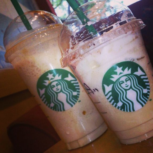 Starbucks! Love it<3 Starbucks Starbucks Coffee Drinking Starbucks