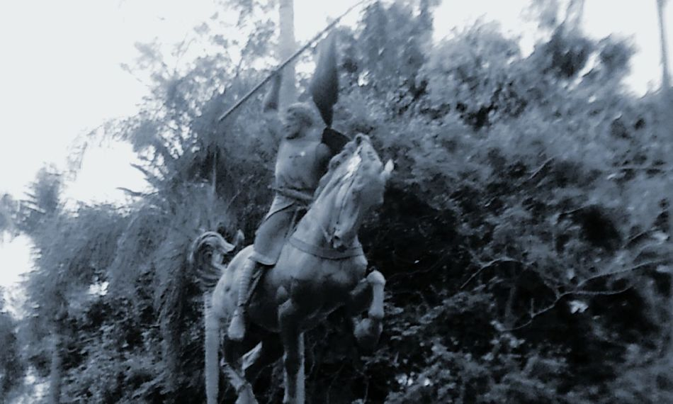 charge!! Monochrome Photography 10/16 Balboa Park San Diego Architecture Animal Themes Animals In The Wild Yokohama Friendship Tourist Attraction  Check This Out Art Beautiful California Nature Beauty In Nature Freshness Day Travel The Week Of Eyeem Fine Art EyeEm Best Shots EyeEm Best Shots - Black + White Popular Outdoors Statue