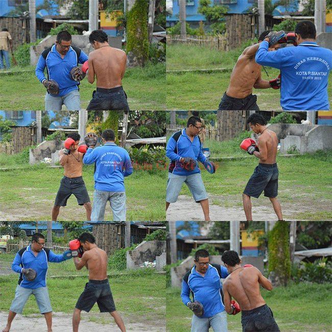 This sport not about you have enough power but how to use your brain give winning step...Pertina Simalungun Boxing Sport Sumaterautara Petinju World boxing amateur Simalungun Pematangsiantar Boxer