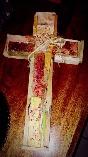 Messedupjournal Kas© Man Made Object No People Cross Garden Recycle Muddakas Wood Crucifix Glitter Red Twine Recycled Recycled Materials Recycling Materials