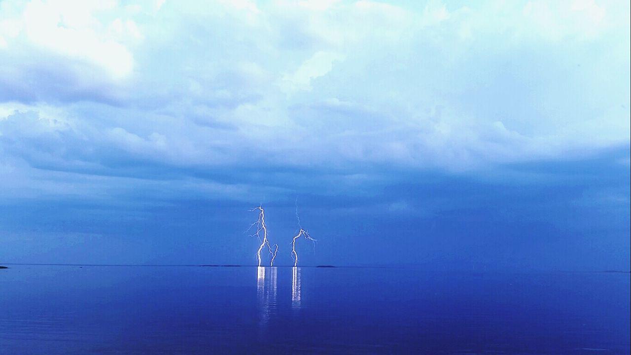 Beautiful stock photos of lightning, Blue, Cloud - Sky, Cloudy, Danger
