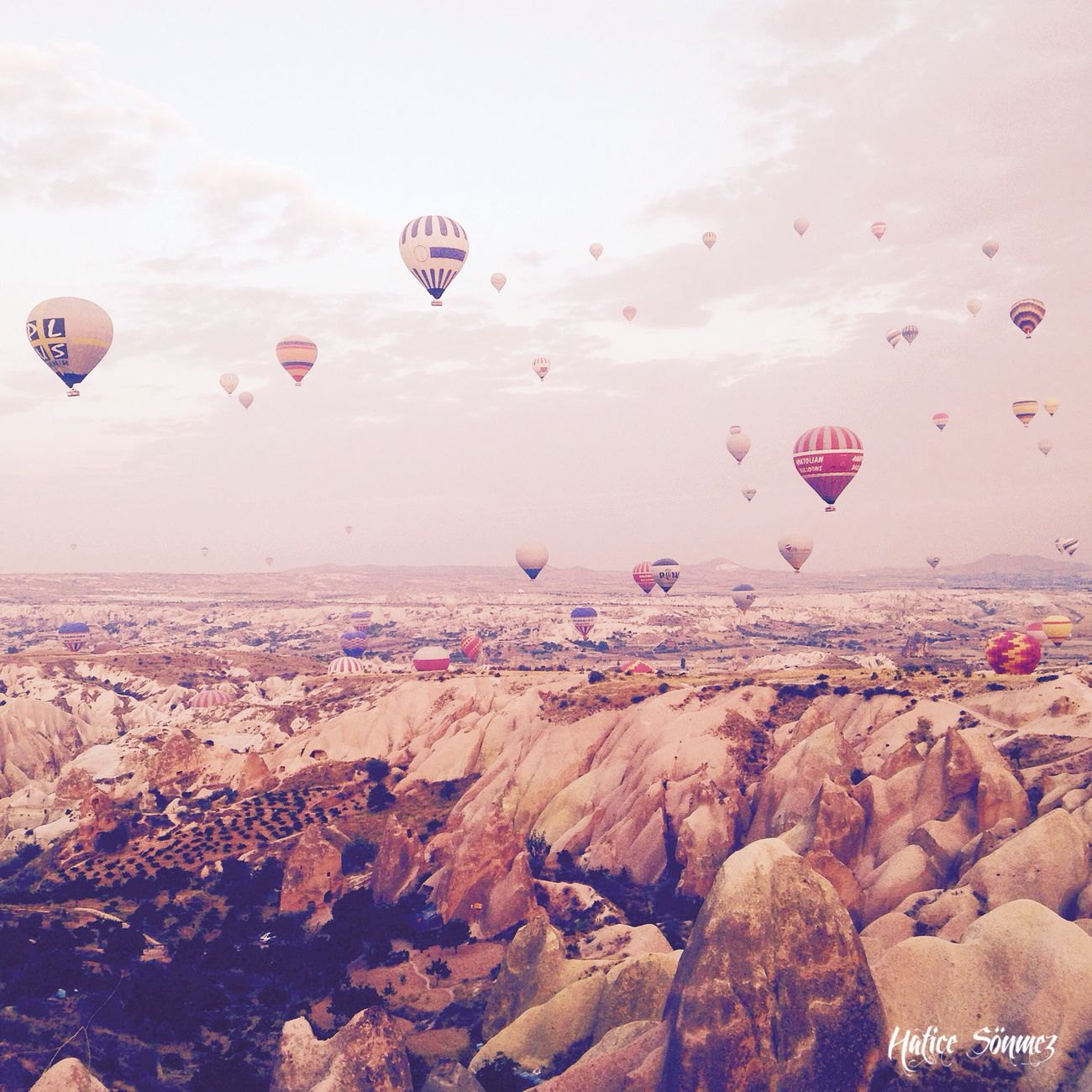 Taking Photos Balloons Enjoying Life Hanging Out Check This Out The Moment - 2015 EyeEm Awards Hello World Relaxing Capadocia Win An EyeEm T-Shirt