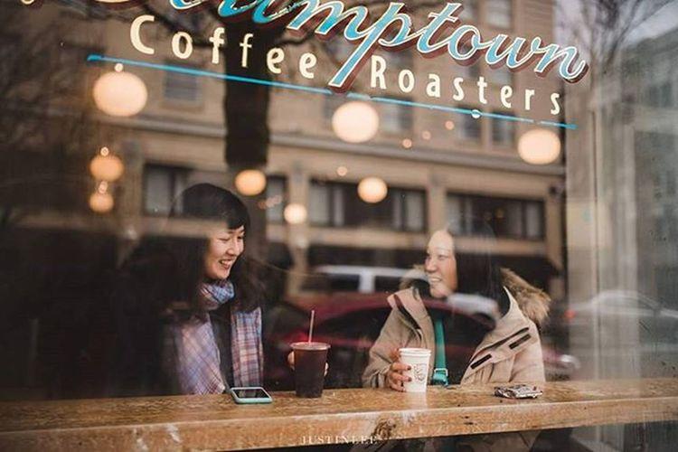 Friend from overseas :) Portlandphotographer Stumptown Stumptowncoffee Portland PNW Coffee
