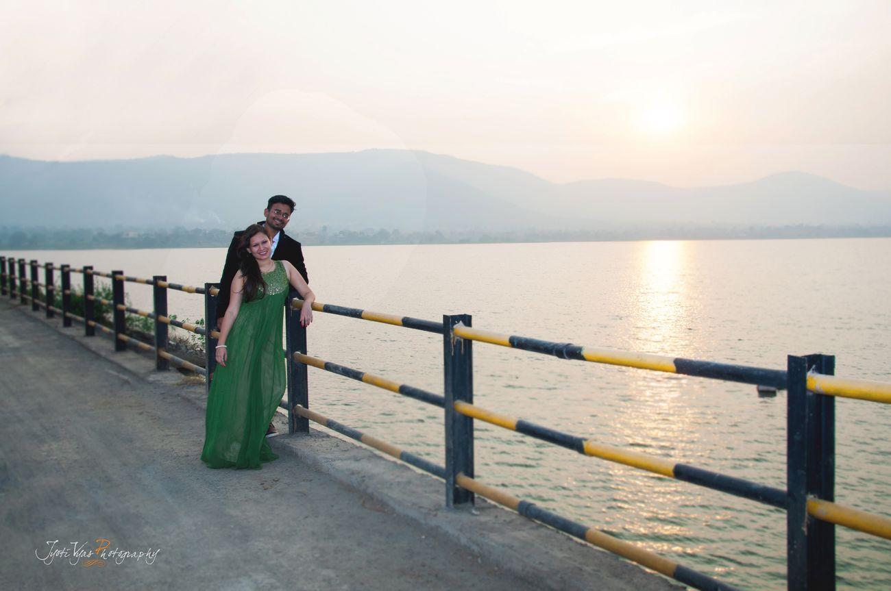 Priya ♥ Vivek Couplephotography Preweddingphoto Prewedding Photography Pune Jyotivyasphotography Punephotographers