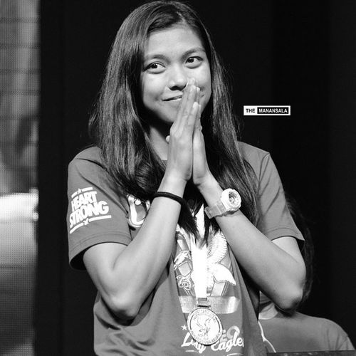 2014 in Review: HeartStrong for Alyssa Valdez (@alyssa_valdez2) and the Lady Eagles during the Ateneo Bonfire II 🔥🏆 . . . Bonfire UAAP Uaap76 uaapseason76 phenom alyssavaldez AdMU ateneo ladyeagles volleyball themanansala