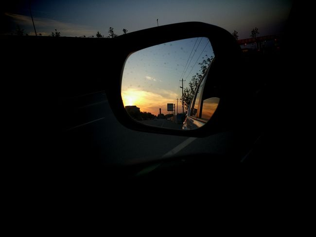 To leave is to start, we continue from the beginning to the end, and the end as a starting point. Life is always the case, the dusk in the rear view mirror is very beautiful. Set out..... First Eyeem Photo Feel The Journey Landscape Ver 43golden Moment 43 Golden Moments Strong Hope Warm Brva & Sis We Just Cooln Good Morning Feeling Good Hello World Love Hot Day Journey Original Experiences