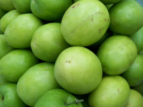 Close-up Day Food Food And Drink For Sale Freshness Fruit Full Frame Granny Smith Apple Green Color Healthy Eating Large Group Of Objects Market Market Stall Monkey Apple No People Outdoors Retail