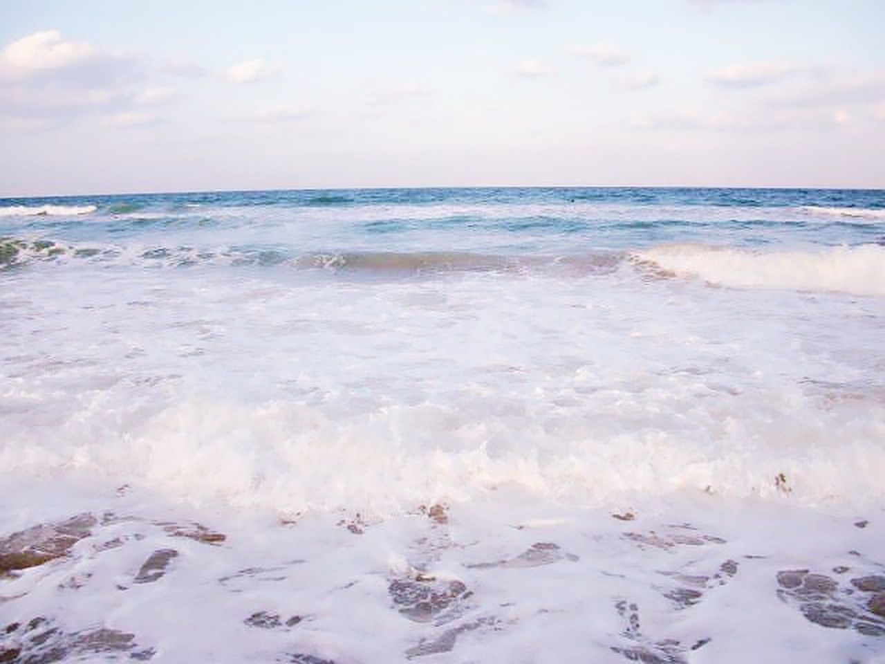sea, water, nature, beauty in nature, horizon over water, scenics, tranquility, tranquil scene, sky, outdoors, beach, no people, day, wave