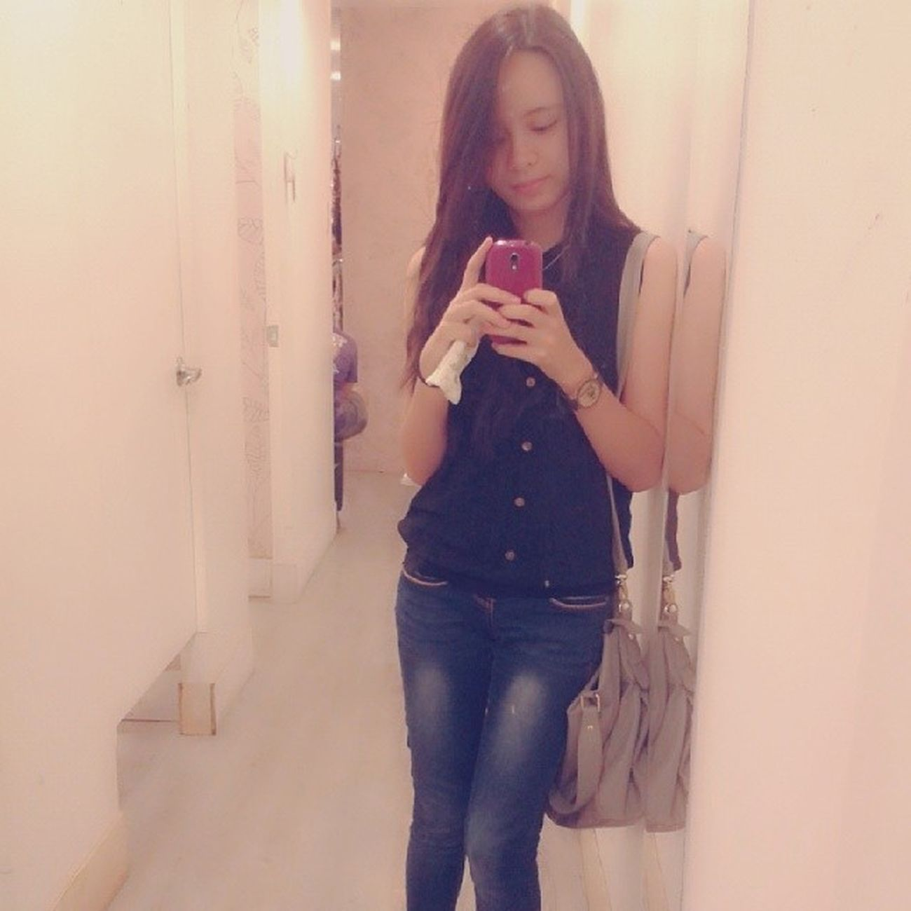 mirror mirror on the wall tell me, am i that hard to be loved? :) Selpiieeeee Black POTD Mirror rob wednesday