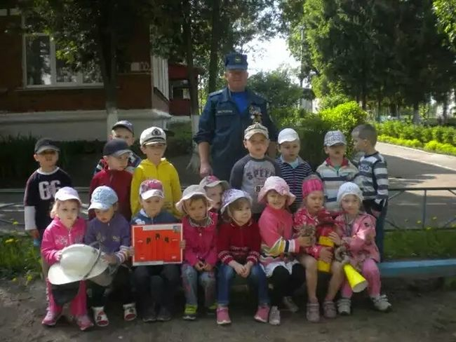 Встреча с сотрудником МЧС. Детский сад Горшково мчс Children Photography Nursery School Детки конфетки дети детвора