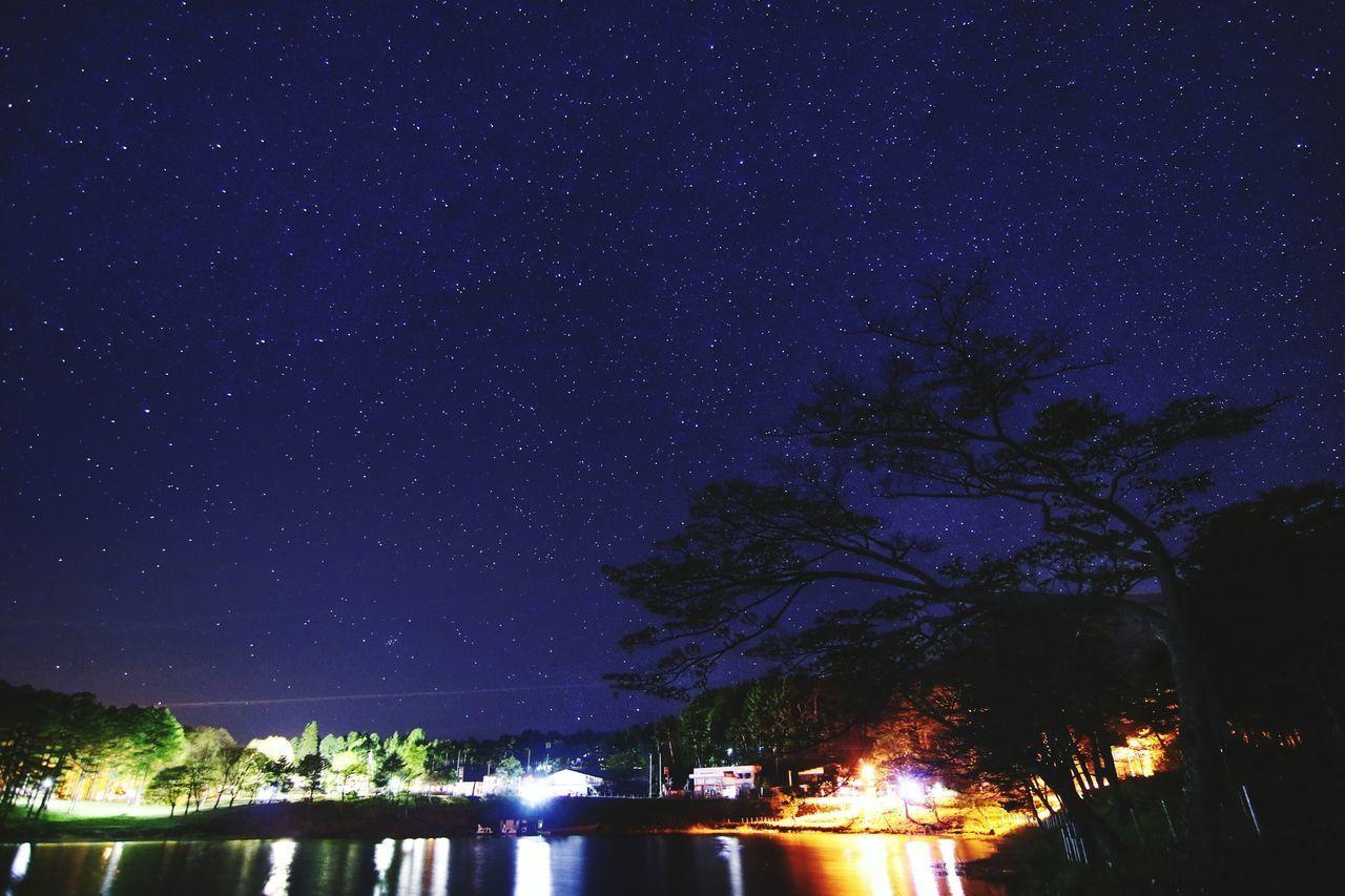 星空で引っ張った1週間😅 銀河鉄道の夜♪ The Great Outdoors - 2017 EyeEm Awards Night Star - Space Astronomy Sky Illuminated Tree Galaxy Milky Way Lake Constellation Outdoors Water Star Field No People Scenics Nature Beauty In Nature Space あと1日の方もそうでない方もガンバロー😲おはよ😆