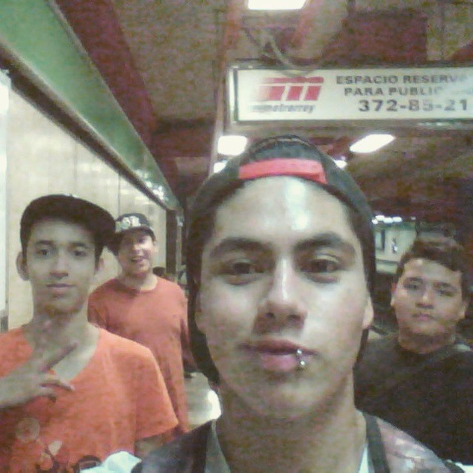 Waiting Metro Friends Yesterday HASHTAG Ayuda Suave jajajaja
