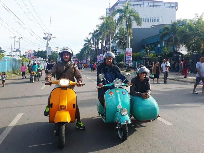 Scooterist Makassarcity Relaxing