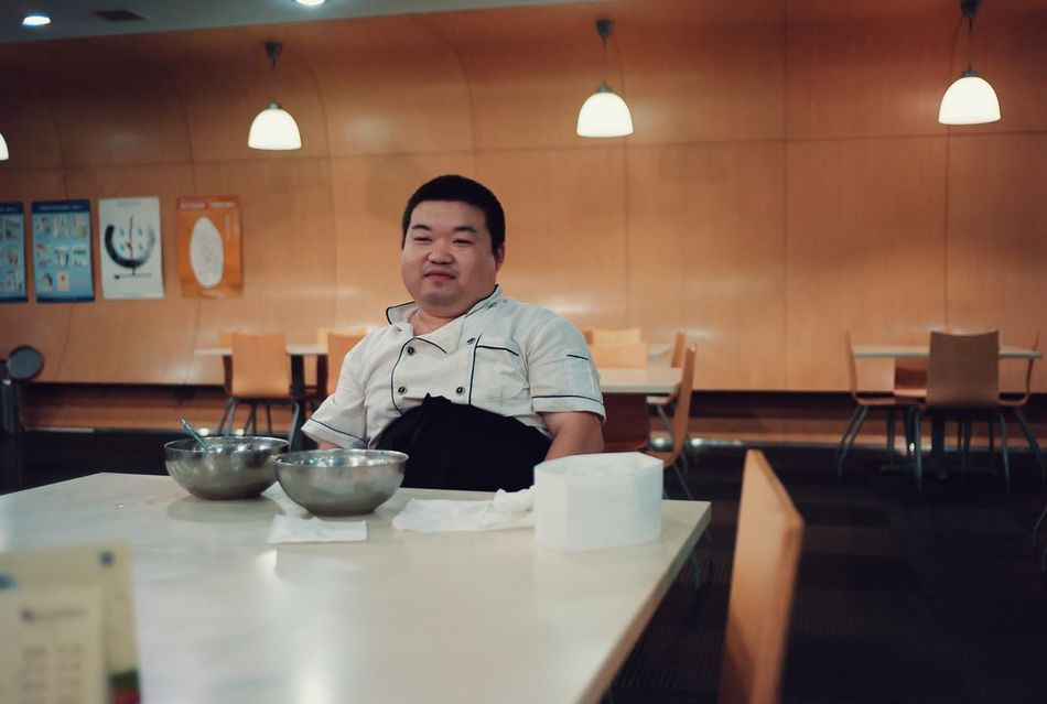 Indoors  Sitting Table Food And Drink Drink Illuminated Casual Clothing Young Adult Dining Table Preparation  Restaurant Freshness Mature Adult Voigtlander28mm Your Design Story Tianjin China Voigtländer ULTRON 28mm F2 Leica M8