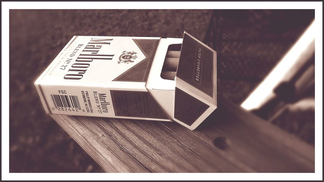 Taking Photos Taking Pictures Of Things In Front Of Me Blurred Marlboro ♥ Focus Point Vintage Photo Photographer Life Pixlr Edit Beautiful Day