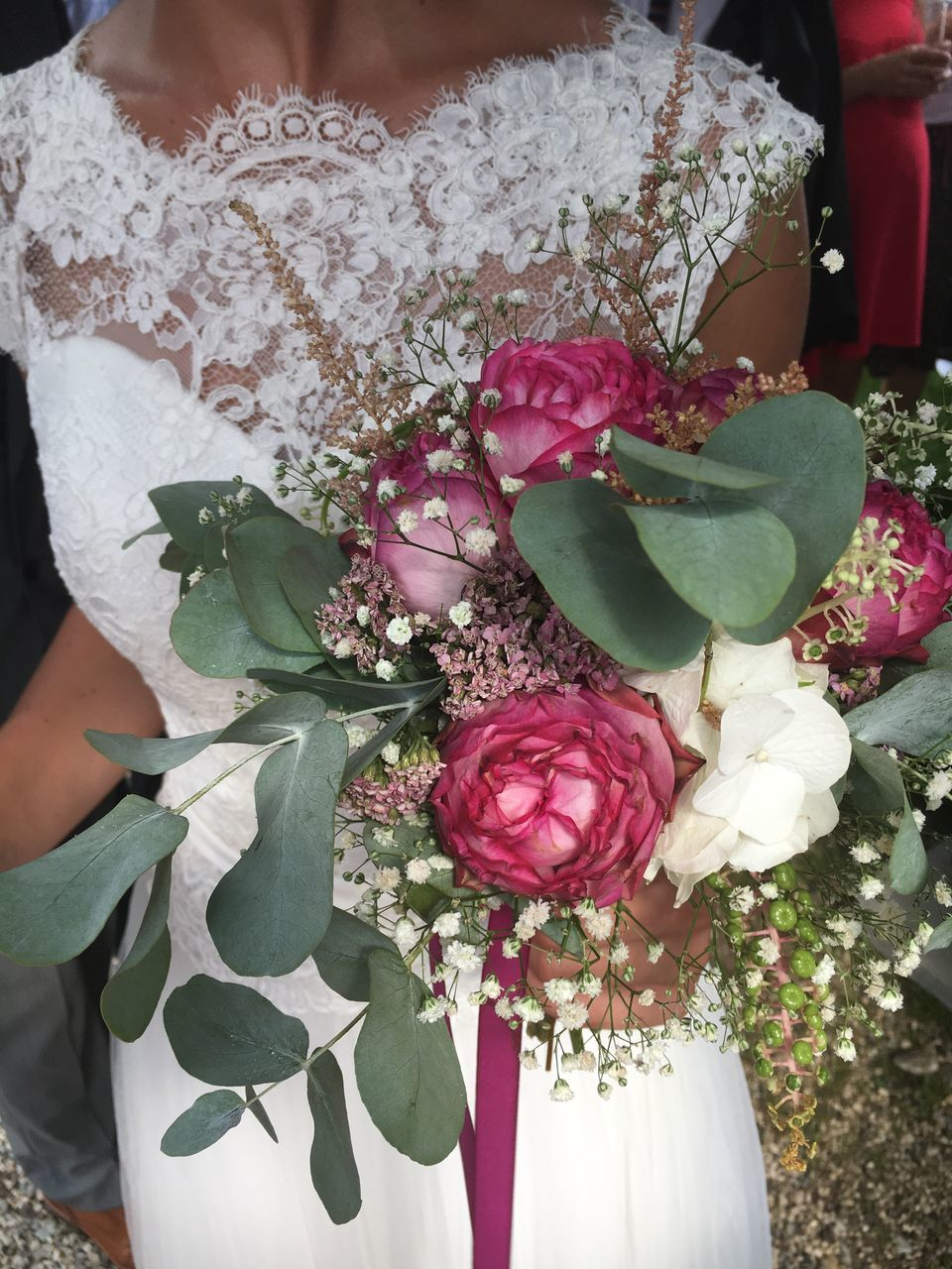 flower, bouquet, rose - flower, freshness, wedding, celebration, beauty in nature, fragility, bride, petal, flower head, nature, leaf, life events, outdoors, day, wedding dress, real people, close-up, women, one person, florist, people