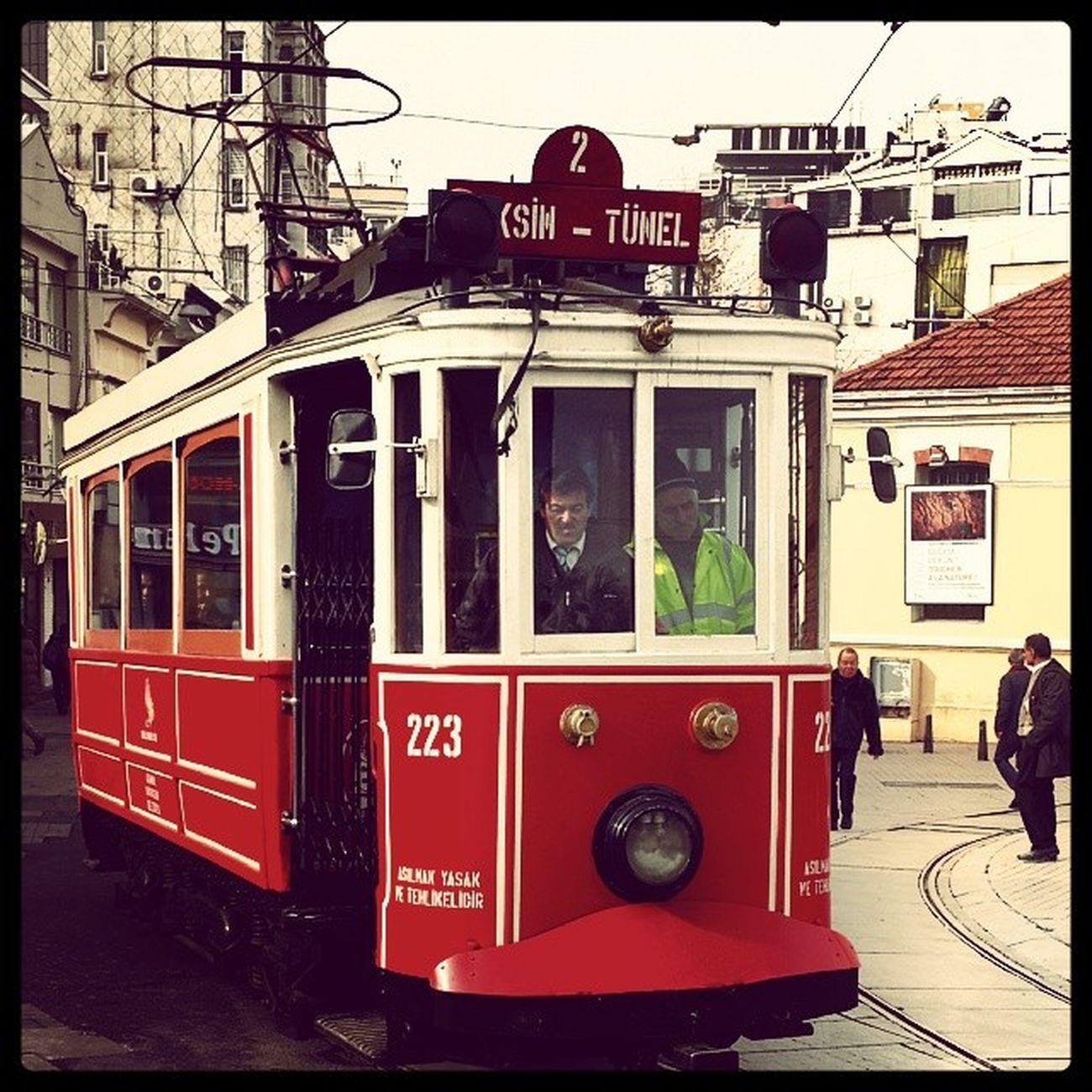 Istanbul Tarih  Nostalji Iett taksimistiklalcaddesi... istanbul un vazgeçilmezlerinden