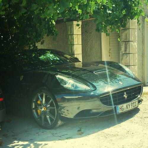black beauty Ferrari