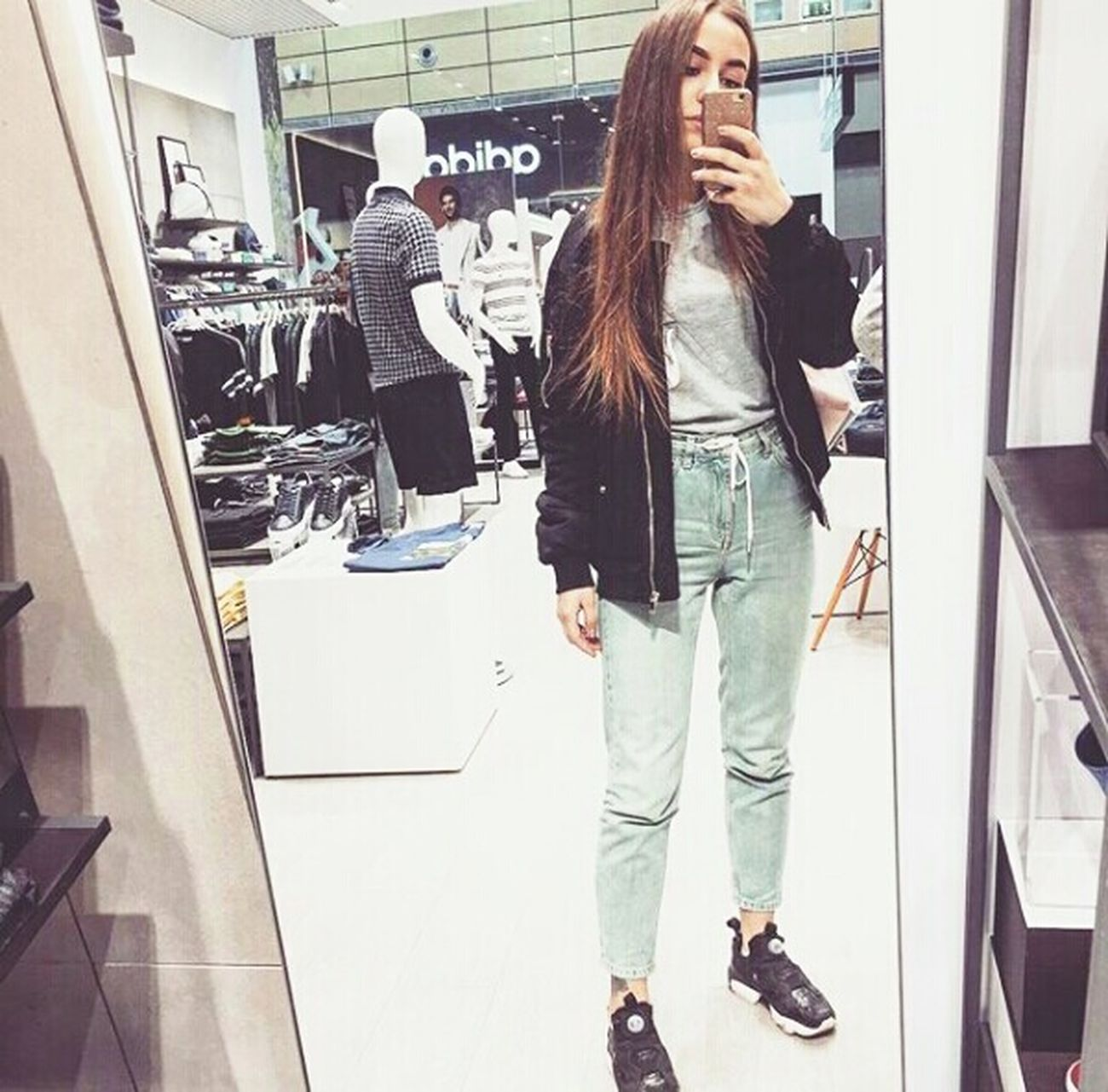 На стиле😎🙊☝👍👟👖🏧 Casual Clothing Jeans Lifestyles Store Mega мегапарнас Looking At Camera Russia Saint Petersburg Withmylove Walking Happiness Still Life Selfie Myboy💕 Shopping ♡ NewSneakers Pumpitup Reebokpumps First Eyeem Photo