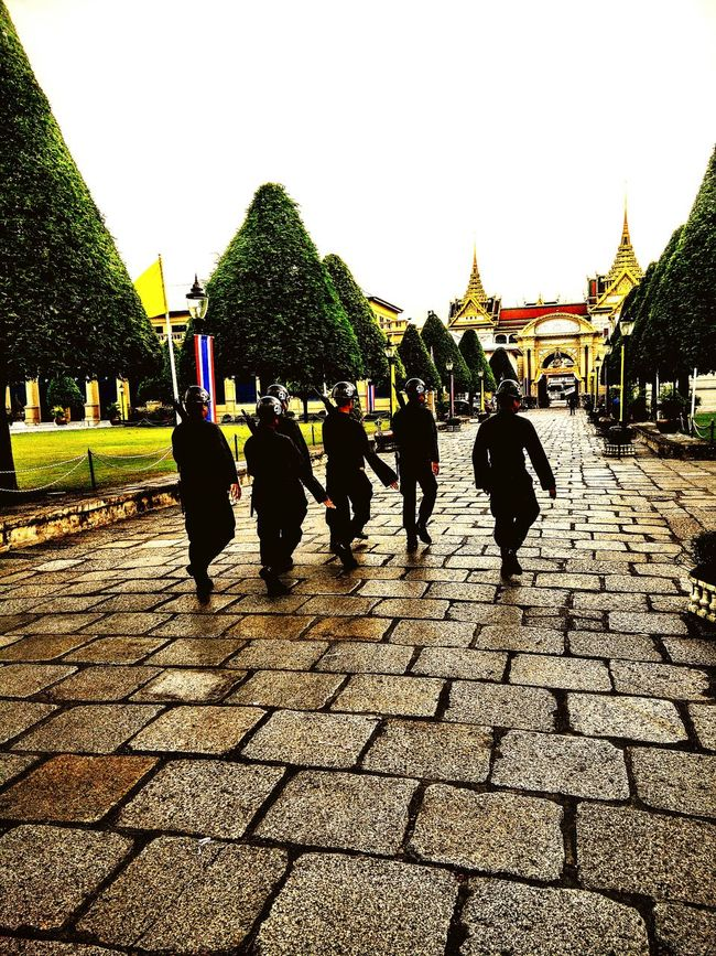 Thailand Trip Bangkok Thailand. Palace Bangkok Thailand Soldiers Marching Guns Tourist Attraction  Light And Shadow Travel Photography Adventure Club