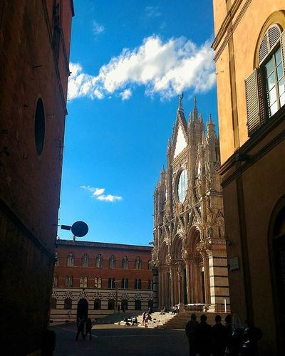Il Duomo di Siena Sky Skyporn Clouds Cloudandsky Cloud Skylovers Italy Igers Ig_italy Tuscany Ig_tuscany Ig_siena Medievalcity EternalCity Vivoinunpostomeraviglioso Vivoinunpostobellissimo Picoftheday Monument Architecture EyeEm Best Shots EyeEm Gallery EyeEmBestPics