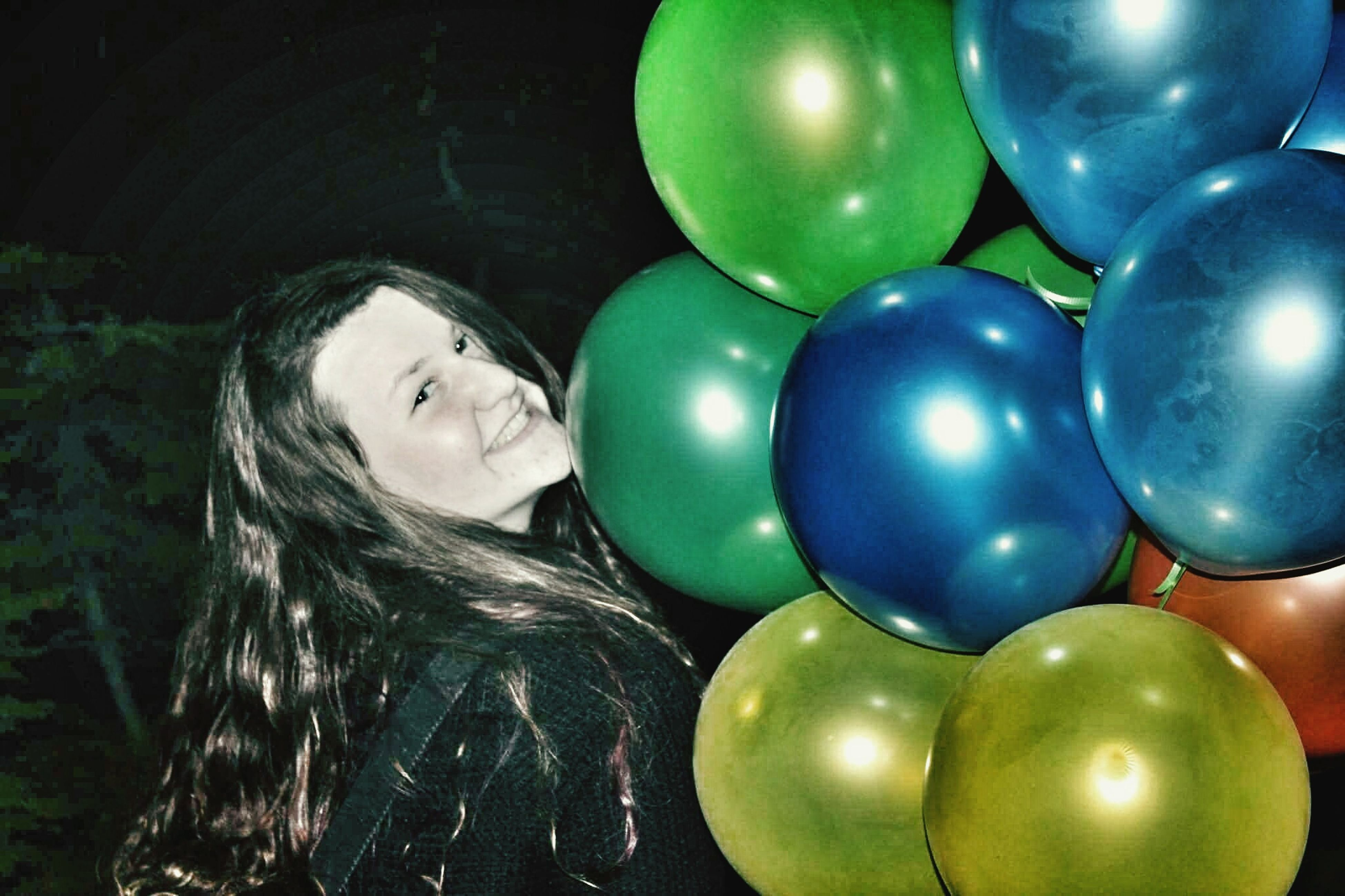balloon, celebration, green color, multi colored, close-up, helium balloon, happiness, holiday - event, childhood, indoors, fragility, helium, smiling, no people, day
