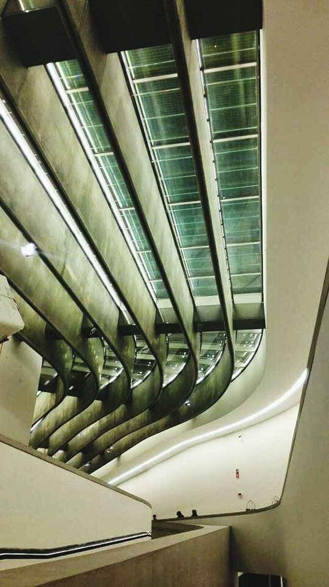 Zaha Hadid Women Who Inspire You Zaha Hadid's Project MAXXI MAXXI Roma Roma Italy Arch Architecture Architectural Feature Inside Museum Museum Of Modern Art Fine Art Photography Waves White Contemporary Contemporary Art Travel Destinations Stairs Stairways No People Conceptual ArtWork