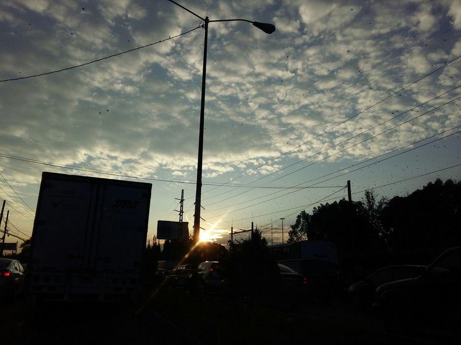 Otra mañana disfrutando del trafico Enjoying Life Thnks Gaia Lights And Shadows Morning Sky El Cielo Y La Tierra Mañanas