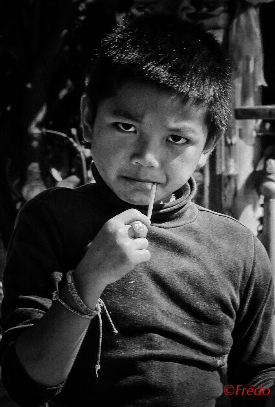 The sight Portrait Streetphoto_color EyeEm Best Shots EyeEmBestPics Street Photos😄📷🏫⛪🚒🚐🚲⚠ Eyeemphotography EyeEm Gallery Eye4photography Colorful Photo Eyem Best Shots Eyem Gallery Photooftheday EyeEm Best Edits Thailand_allshots #Chiang Mai Human Kid Kids Being Kids Thaïlande Street Photography Kidsphotography
